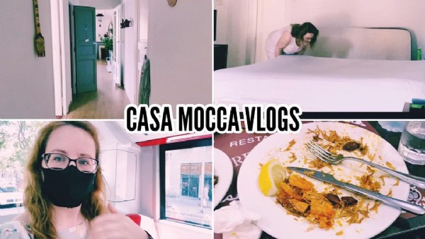 Photo by CML in Barcelona, Spain. May be an image of indoor and text that says 'CASA MOCCA-VLOGS RESTA R'.