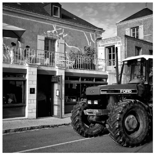 Photo by Olivier Prt in Noirmoutier-En-L'Île, Pays De La Loire, France. May be an image of outdoors and text that says '8340 FORD S'.