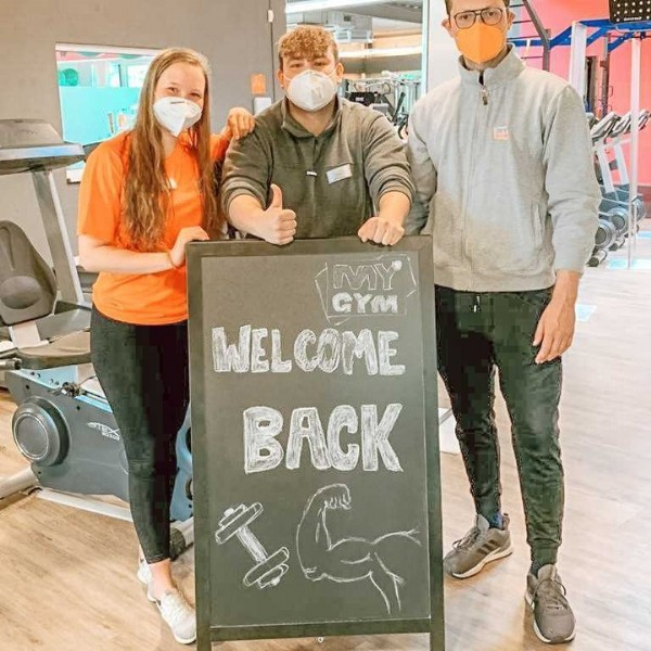 Photo by MYGYM Deutschland on June 02, 2021. May be an image of 1 person, standing and text that says 'MY CYM WELCOME BACK G'.