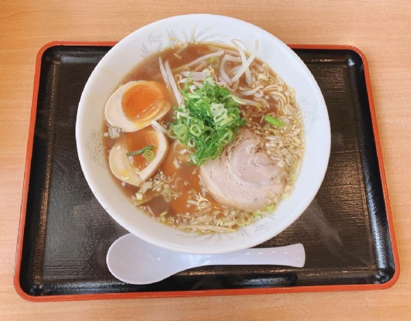 Photo by 。 in 阿波らーめん一徹. May be an image of ramen.