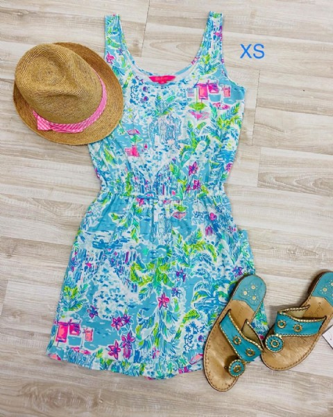 Photo by Gatorlillys in Gatorlillys Upscale Resale Boutique. May be an image of sandals and text that says 'XS'.