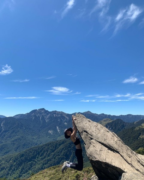 Photo by Ting Xuan Wu on July 25, 2021. May be an image of one or more people, mountain and nature.