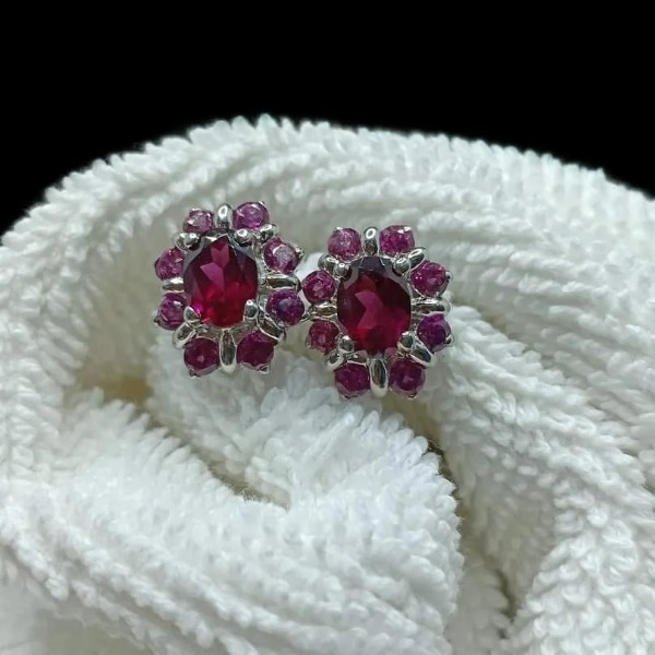 Photo by Silver Jewelrycreations on September 19, 2021. May be an image of jewelry.