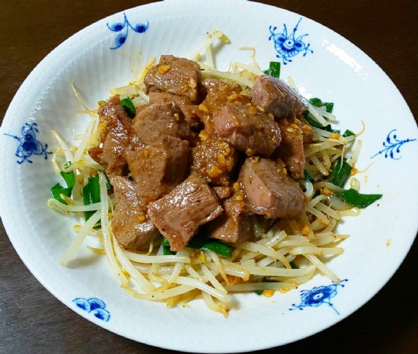 Photo by たるまま on June 07, 2021. May be an image of chow mein.