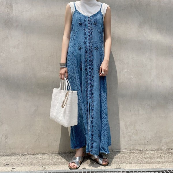 Photo by flower堀江店 USED通信販売用アカウント on June 19, 2021. May be an image of standing.