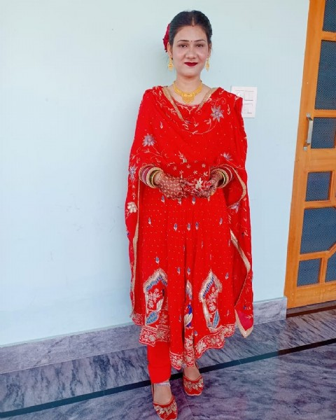 Photo by Ponta saab shahi punjabi jutti on July 31, 2021. May be an image of 1 person and standing.