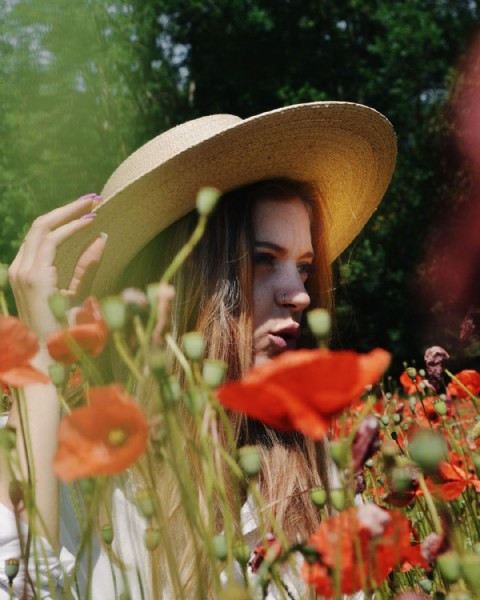 Photo by V I U F I N A  in Vercors with @camillejacquin. May be an image of 1 person, flower and nature.