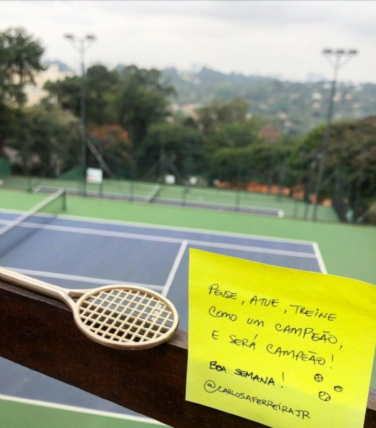 Photo by Carlos Alberto Ferreira in Academias Play Tennis with @academiasplaytennis. May be an image of tennis and text.