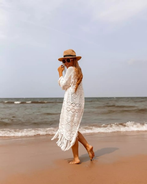 Photo by FASHION☆INSPO☆LIFESTYLE in Nad Morzem with @reserved, @styledomino, @inspolife.style_, and @inspiracjefashion. May be an image of one or more people, people standing and ocean.