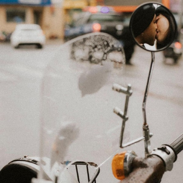 Photo by Thuật on June 12, 2021. May be an image of 1 person, motorcycle and outdoors.