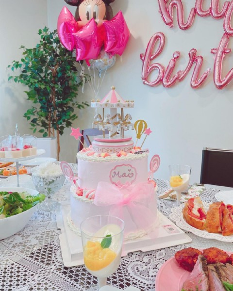 Photo by るる on August 01, 2021. May be an image of cake and indoor.