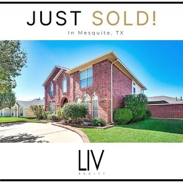 Photo by DALLAS REALTORS in Mesquite, Texas with @filmon.araya.realestate. May be an image of text that says 'JUST SOLD! In Mesquite, TX 你 LIV'.