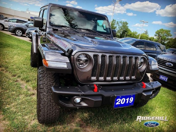 Photo by Ridgehill Ford on June 23, 2021. May be an image of jeep and outdoors.