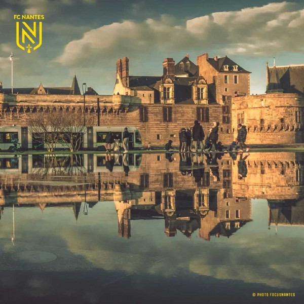 Photo by FC Nantes in Centre-ville de Nantes with @focusnantes. May be an image of castle, outdoors, monument and text.