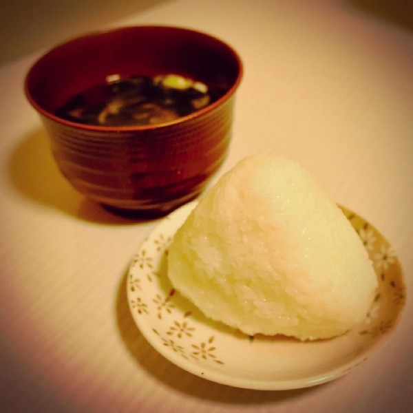 Photo by ちよすけ on August 02, 2021. May be an image of food and indoor.