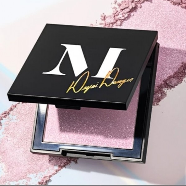 Photo by BlushSHOP on August 01, 2021. May be an image of cosmetics.