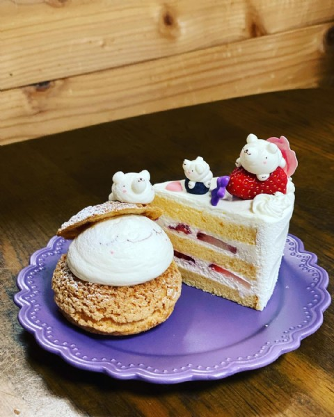 Photo shared by hinamari on June 18, 2021 tagging @indulgent.cake. May be an image of dessert and indoor.