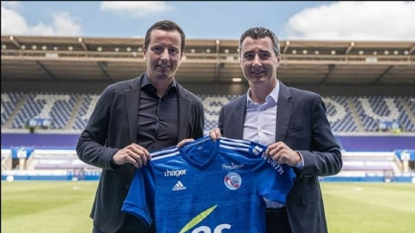 Photo by journal du foot on May 28, 2021. May be an image of 2 people.