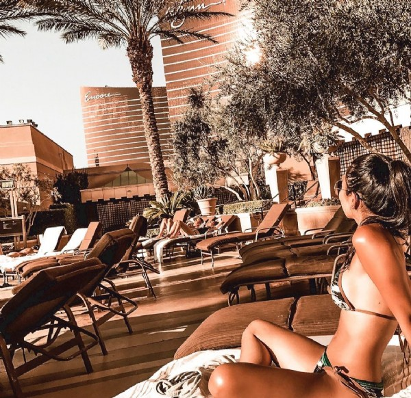 Photo by kal neyu   ☾   ☼ in Las Vegas, Nevada. May be an image of one or more people and outdoors.