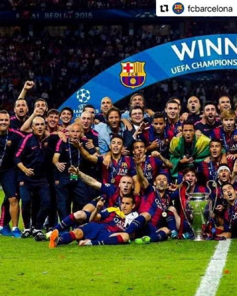 Photo shared by JAPAN FAN PAGE❤️ on June 06, 2021 tagging @fcbarcelona. May be an image of 28 people and text.