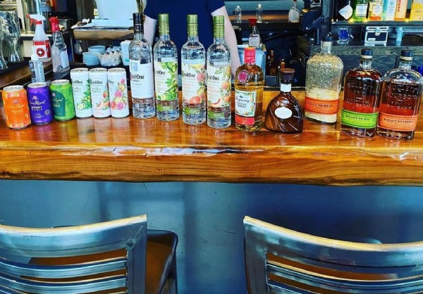 Photo by Nona Social Bar & Kitchen on May 10, 2021. May be an image of drink and indoor.