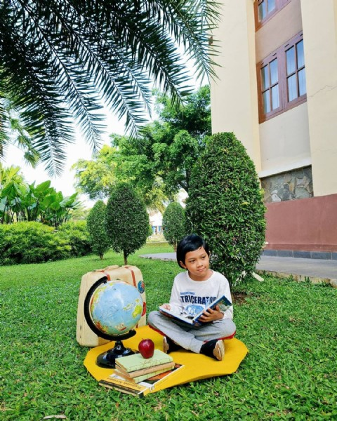 Photo by Anita Fitria on June 16, 2021. May be an image of 1 person, tree and outdoors.