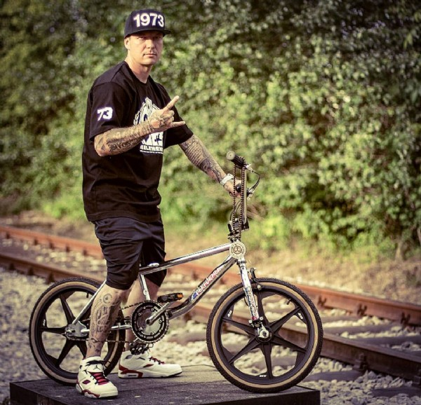 Photo by Dj.BigW_official on July 31, 2021. May be an image of 1 person, bicycle and outdoors.