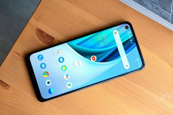 Photo by Best Smart Tech  Product on May 30, 2021. May be an image of phone.