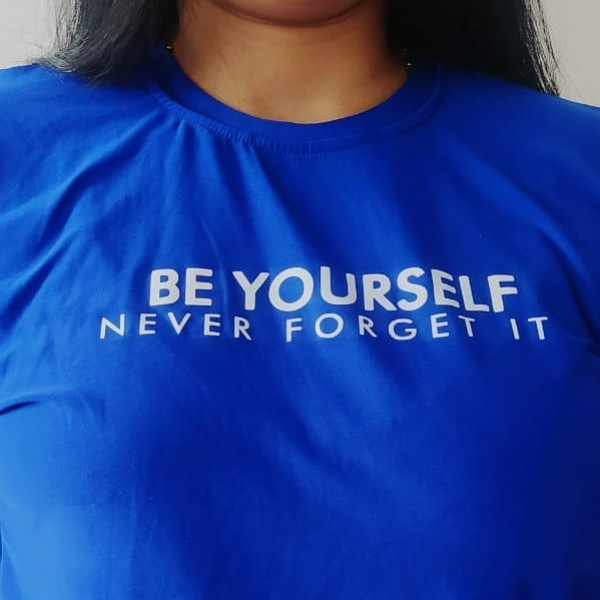 Photo by Camisetas Fresh Barranquilla on June 18, 2021. May be an image of one or more people and text that says 'BE YOURSELF NEVER FORGET IT'.