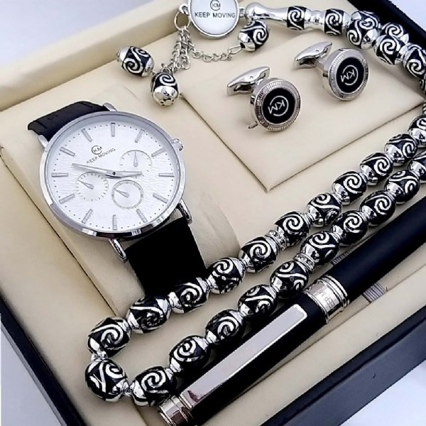 Photo by اطقم رجاليه ⌚️ on June 19, 2021. May be an image of jewelry and wrist watch.
