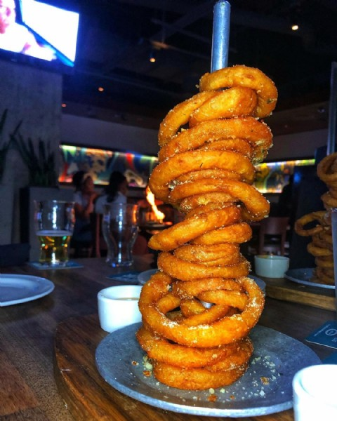 Photo by S A R A   F I S K in Yard House with @annddrriee, @yardhouse, @coltonwm, and @avery_fisk_. May be an image of food.