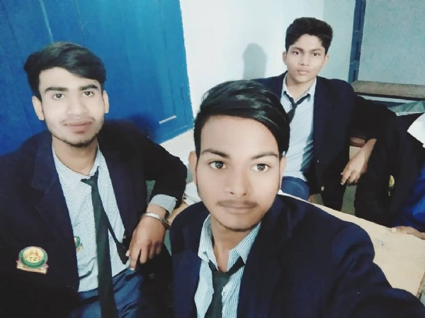 Photo by nikesh_raj in Awadhoot Academy with @sonurajputsr, @rahul_shrimali_official, @pappya_gaikwad_official, @iam_n1kesh, @sonurajputnew, @elvishmannat, and @iam_sach1n. May be an image of 3 people and indoor.