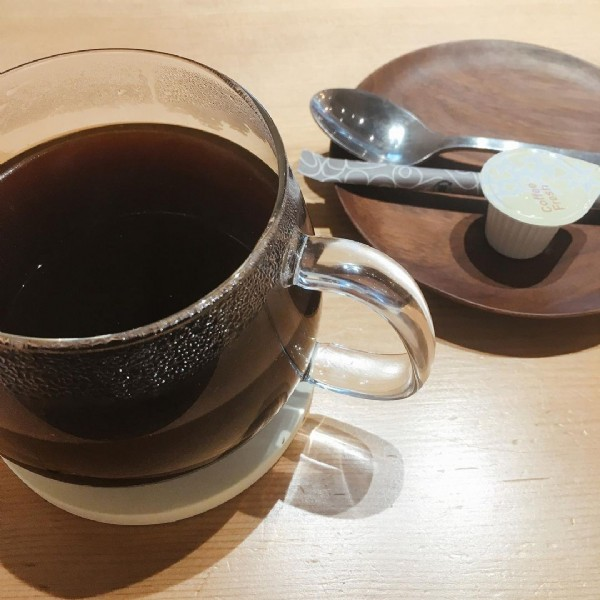 Photo shared by yu-poyo on June 18, 2021 tagging @warewarewa.renewal. May be an image of coffee cup and indoor.
