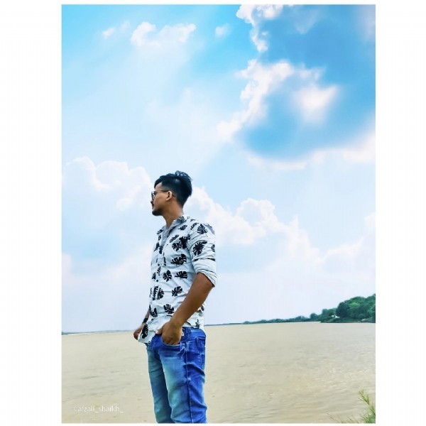 Photo by ÃfźÀŁ shaikh on August 01, 2021. May be an image of 1 person, standing and cloud.