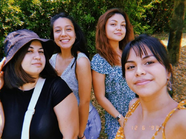 Photo shared by Daniela Guevara on June 12, 2021 tagging @genefj, @giorgia.skyy, and @vale_gue. May be an image of 4 people, people standing and outdoors.