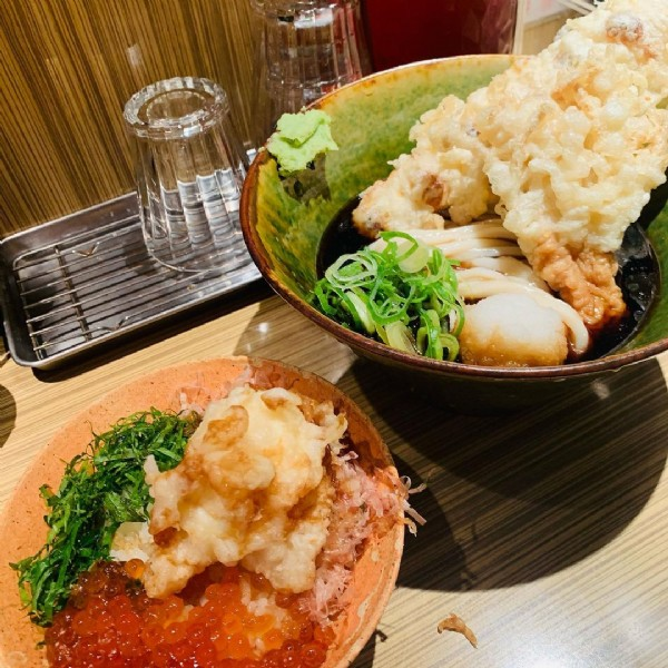Photo by 不器用OL【大阪グルメ記録】 on June 18, 2021. May be an image of food and indoor.