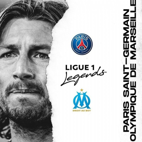 Photo by Ligue 1 Conforama on September 12, 2020. May be an image of one or more people, hair and text that says 'PARIS SAINT GERMAIN Legends 1 LIGUE AN DE M DROIT AU BUT PARI n 28.02.2010'.