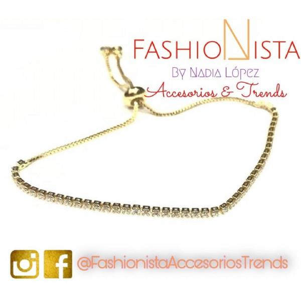 Photo by Fashionista Accesorios&Trends on March 19, 2021. May be an image of jewelry and text that says 'FASHIONISTA BY NADIA López Accesorios & Trends f @FashionistaAccesoriosTrends ccesoriosTrends'.