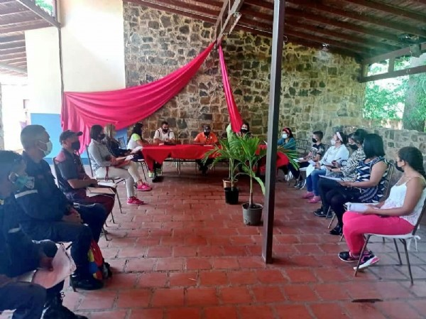 Photo shared by Tania Sierra on June 08, 2021 tagging @josemvasquez1. May be an image of one or more people and people sitting.