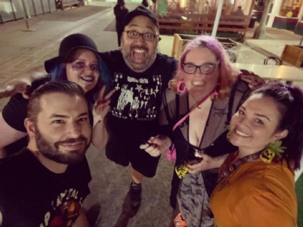 Photo by TheHauntList in Iced Above with @josephlugo, @horrordesignchick, @spookyscarysara, @jameshcarter2, and @editor_kay. May be an image of 5 people and people standing.