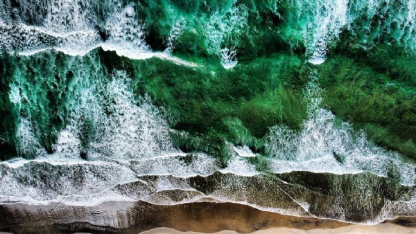 Photo by Cris Torres on August 02, 2021. May be an image of ocean and nature.