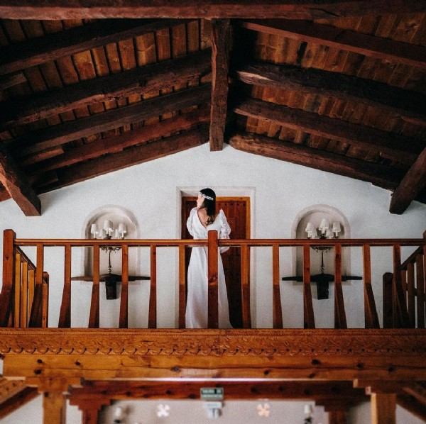Photo by FINCA ANTIGUA FABRICA HARINAS on June 09, 2021. May be an image of one or more people, people standing and indoor.
