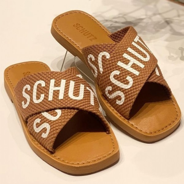 Photo by Algo Mais  Jales /SP in Algo Mais. May be an image of sandals and text that says 'SCHUTZ SCHUT sf SCHUT'.
