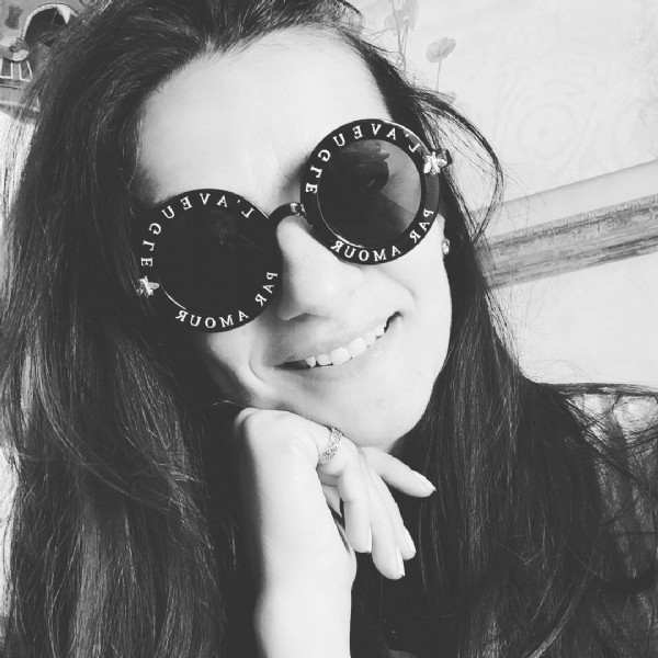 Photo by 2colorsB&W☯️♏⚫&⚪ on June 06, 2021. May be a black-and-white image of 1 person and sunglasses.