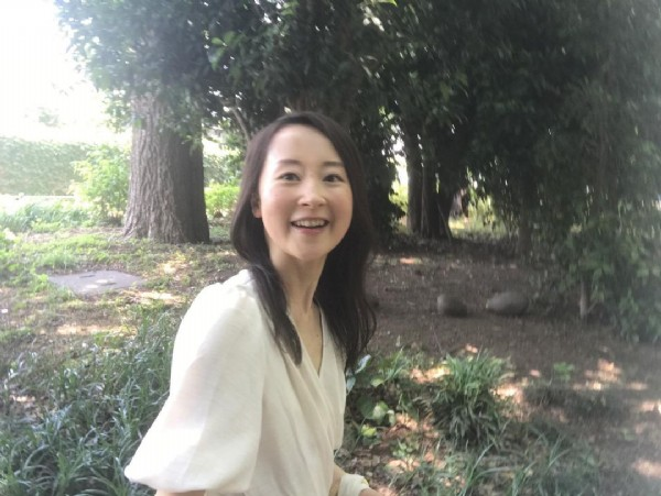 Photo by 白井恵子 on June 18, 2021. May be an image of 1 person, standing, tree and outdoors.