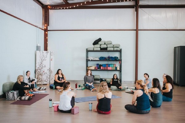 Photo by Sunlight Yoga in Sunlight Yoga with @tarasprocphoto, and @besunlightyoga. May be an image of 3 people and indoor.
