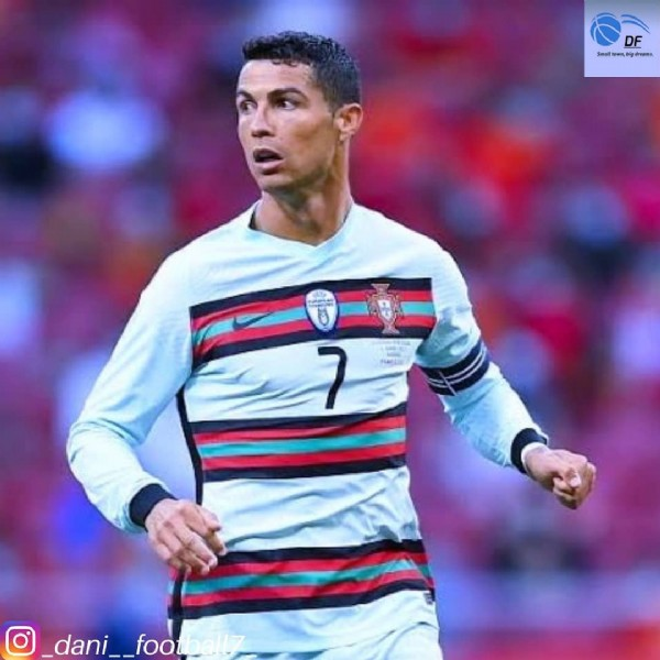 Photo shared by a loyal football fan❤⚽(4.5k) on June 06, 2021 tagging @cristiano, @sefutbol, and @portugal. May be an image of 1 person and text.