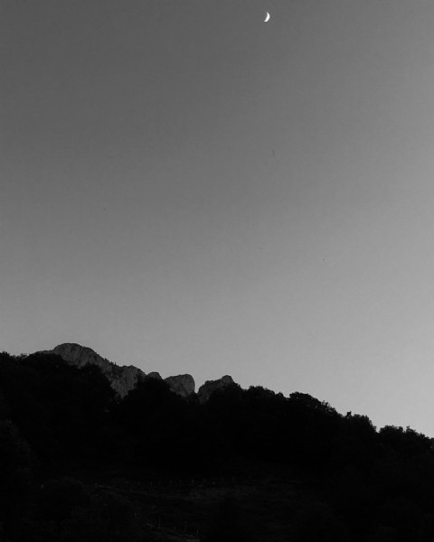 Photo by Nicolas Laucheré on June 16, 2021. May be a black-and-white image of nature and sky.
