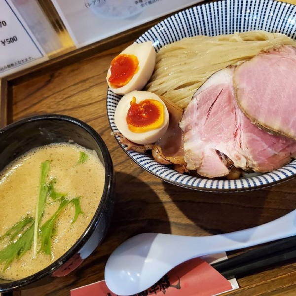Photo by ゆうさん on June 18, 2021. May be an image of ramen.