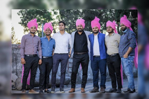 Photo shared by Rakesh Kumar on July 30, 2021 tagging @jangidsaurabh. May be an image of 7 people, beard, people standing, turban and outdoors.